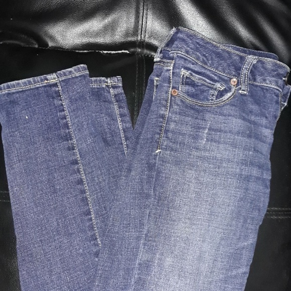 American Eagle Outfitters Denim - American eagle stretch Jean's
